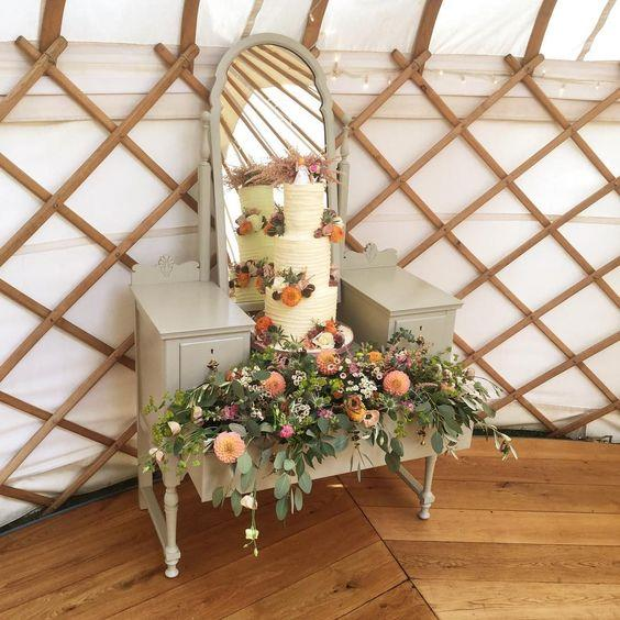 Wedding Flowers Suffolk: The Flower Hut Florist Bury St Edmunds